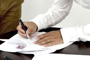 Что лучше брачный договор или соглашение о разделе имущества: сходства и различия